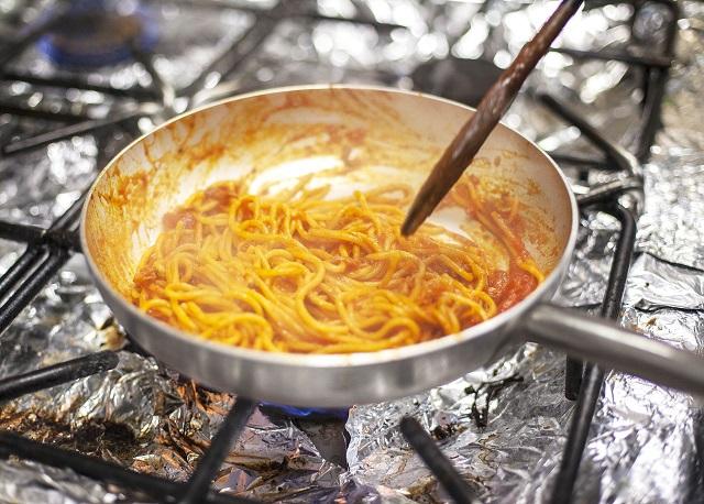jídelna: špagety
