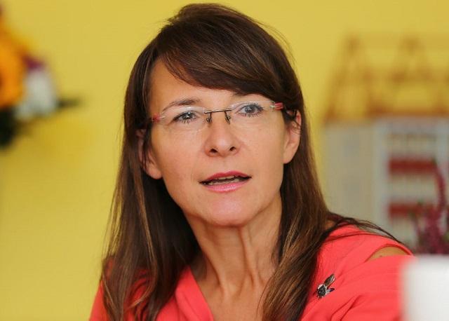 Irena Jonová